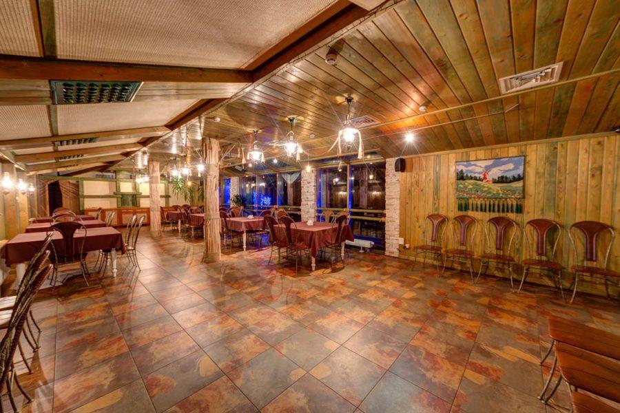 отель с рестораном карпати