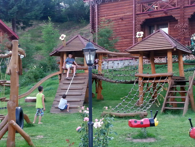 Відпочинок з дітками в Карпатах